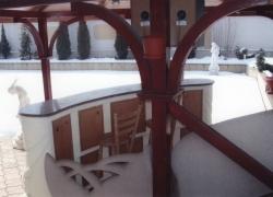 2206 Това барплота край барбекюто в красива къща в Суходол.
