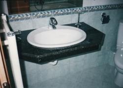 2208 Плота в банята на модерна къща в Мало бучино.