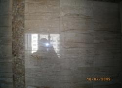 2616 Облицовка на стена с бежов мрамор.
