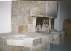 06 Зидана камина на тераса на къща в Драгалевци. Облицовката е от обрязан гнайс.