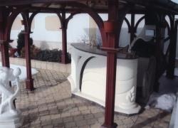 2205 Това барплота край барбекюто в красива къща в Суходол.